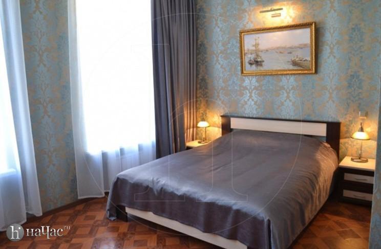 номер Комфорт, двуспальная кровать
