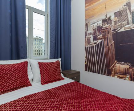 Подушки на кровати