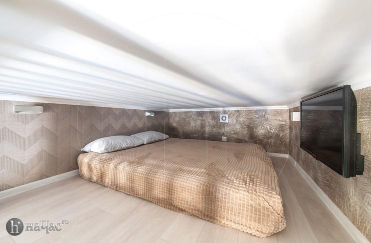 номер 1 кровать