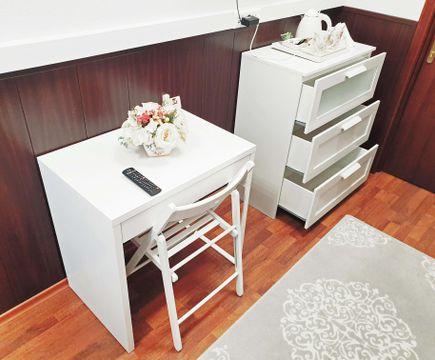 стол и комод