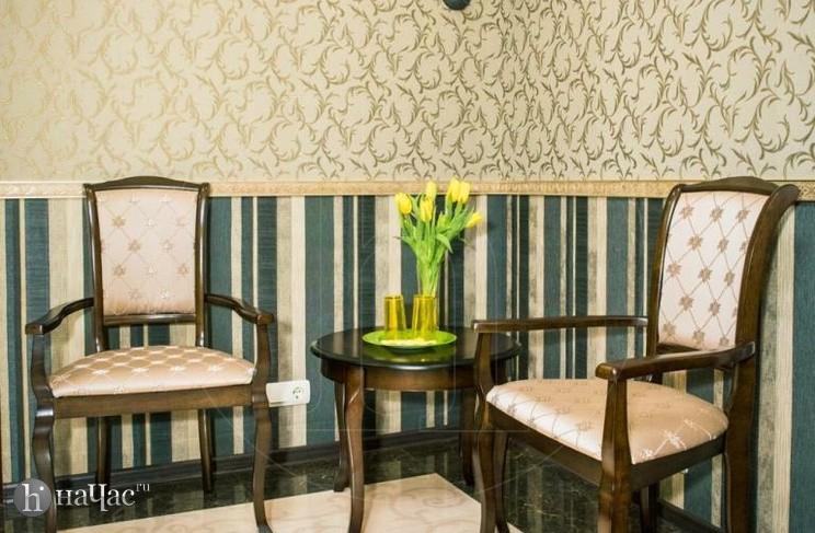 стулья и столик