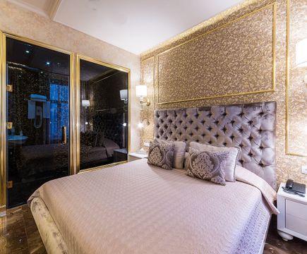 Авантюриновый номер - кровать