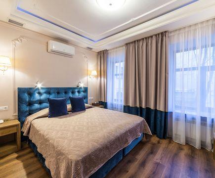 Сапфировый номер - комната
