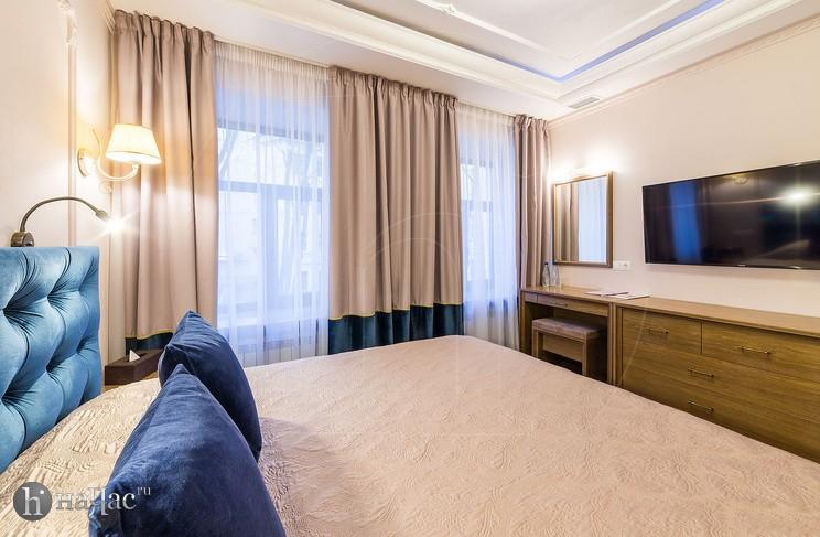 Сапфировый номер - кровать
