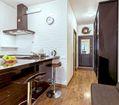кухонная зона и прихожая